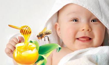 Cách chữa táo bón bằng mật ong dứt điểm cho trẻ sơ sinh