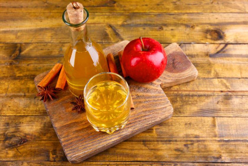 mật ong trị đau họng kết hợp giấm táo